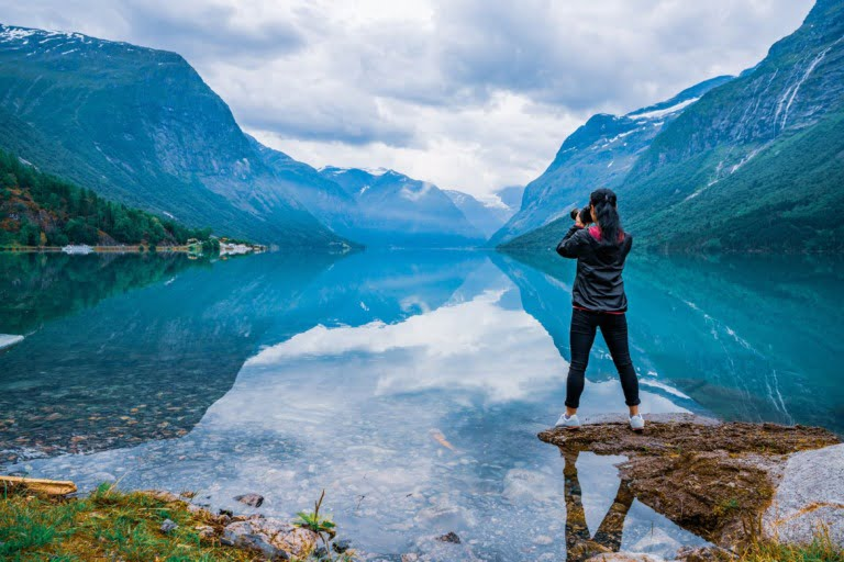 Norway's lake Lovatnet draws keen photographers from across the world.