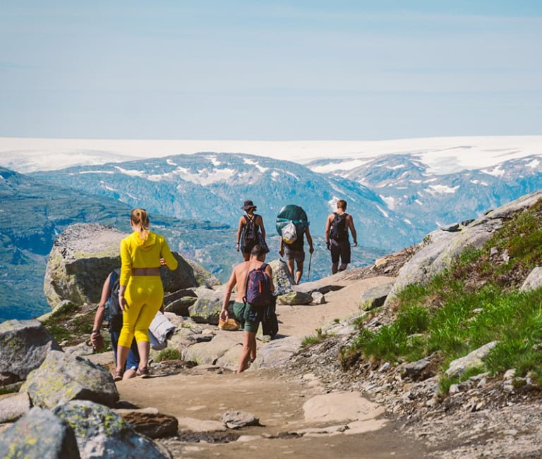 Busy hiking trail to Trolltunga, Norway