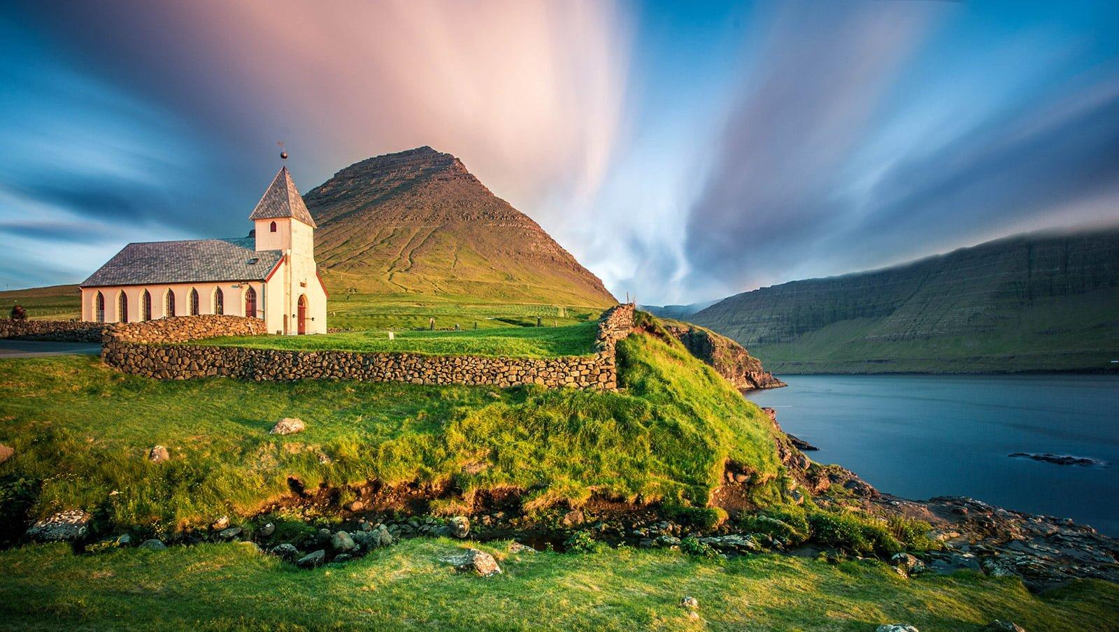 Direct flight to the Faroe Islands