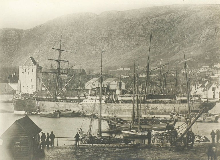 An emigration ship moored in Bergen harbour in the 1870s.
