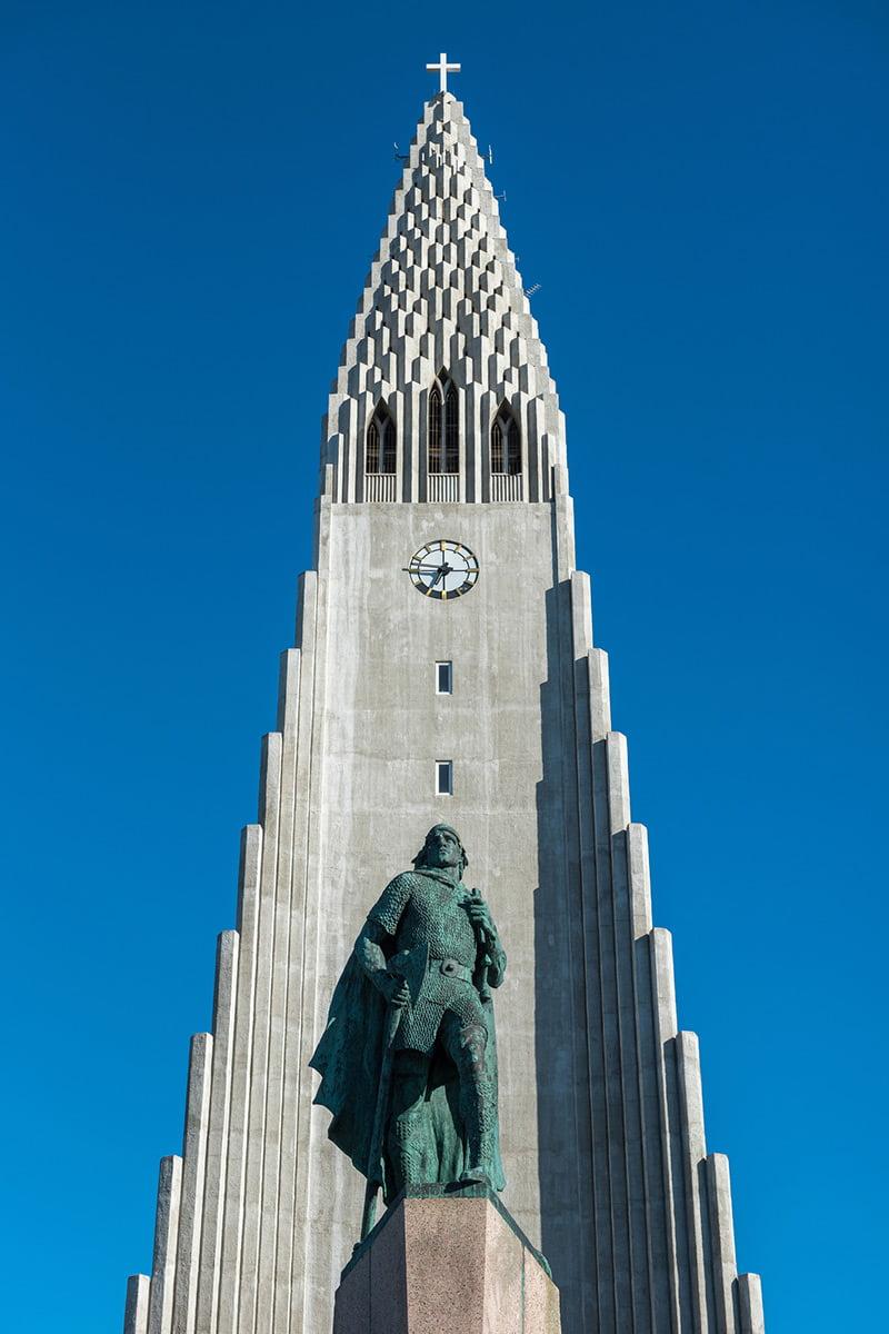Leif Erikson statue at Hallgrimskirkja, Reykjavik.