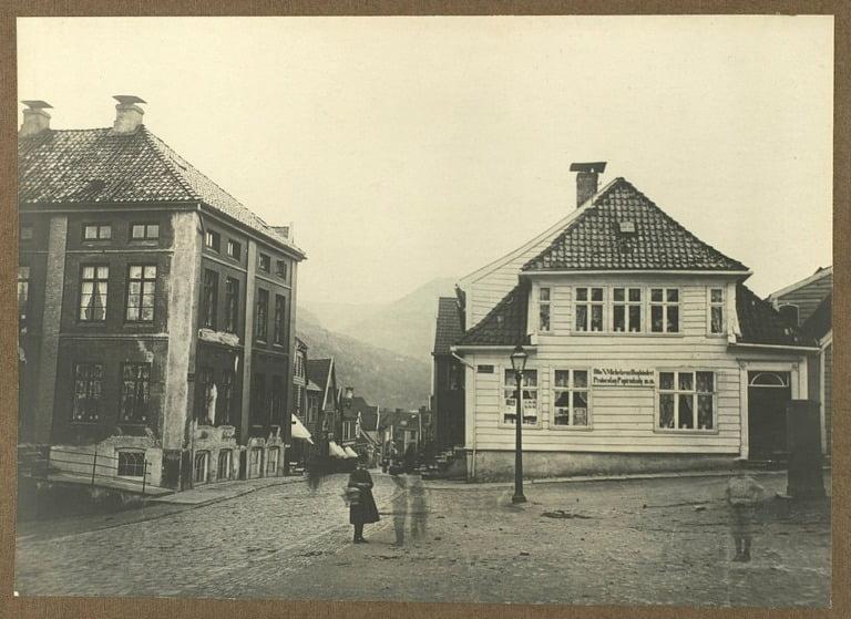 Bergen's Markeveien from Murallmenningen taken in the 1870s.