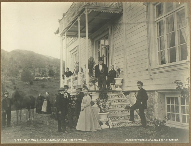 Ole Bull and his family in Valestrand. Photo taken sometime around 1869.