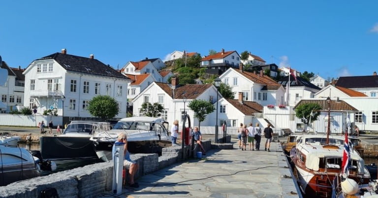 Hvite hus i Riser Harbor