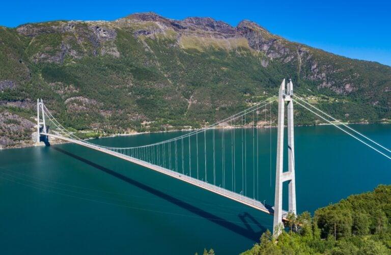 The Hardanger Bridge crosses the Hardangerfjord