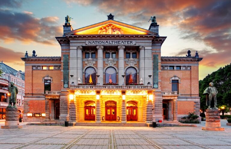 The National Theatre on Oslo's Karl Johans gate