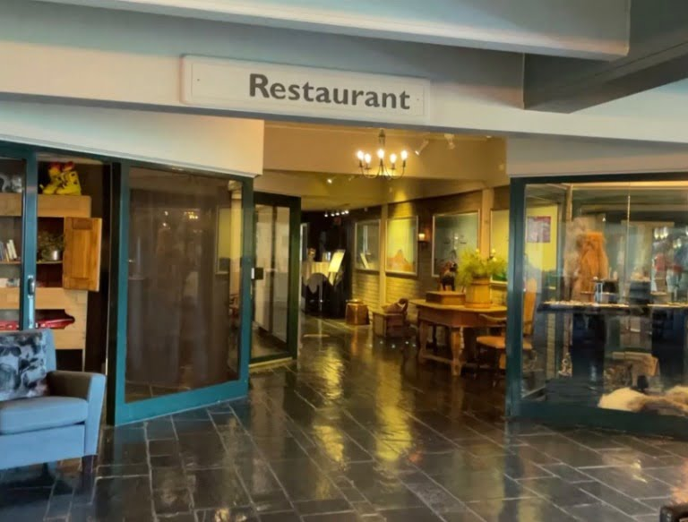 Entrance to the restaurant at Radisson Blu Beitostølen