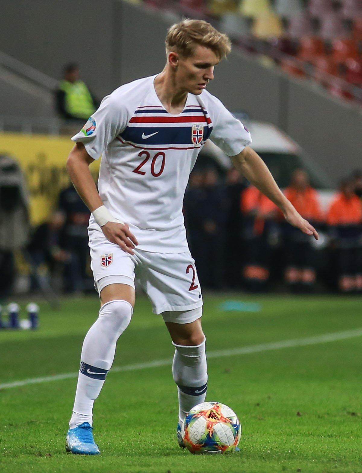 Martin Ødegaard playing for the Norwegian national team in 2019