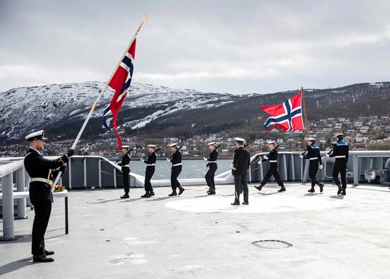 The 80 year mark for battles in Narvik was marked with wreath-laying ceremony and speeches on coastguard Harstad.