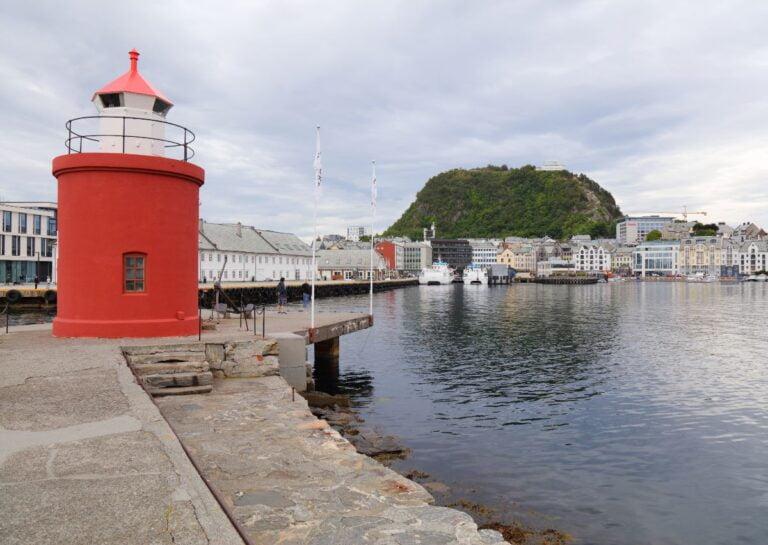 Molja lighthouse in Ålesund, Norway